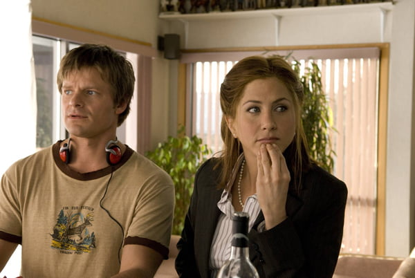 Steve Zahn and Jennifer Aniston in Management