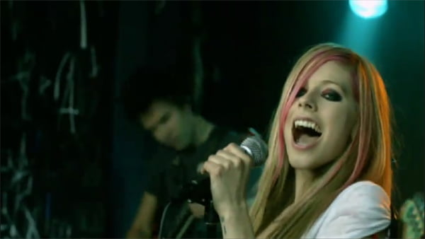 Avril Lavigne in What The Hell