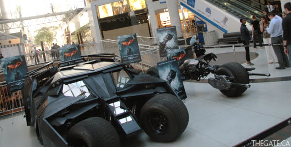 The Dark Knight - Tumbler and Bat-Pod