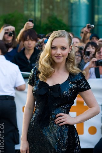 Amanda Seyfried on the red carpet for Chloe