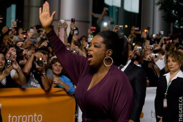 Oprah Winfrey waves to the fans