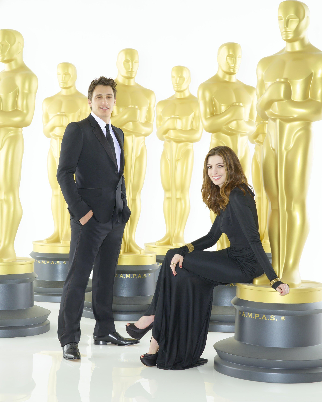 Anne Hathaway James Franco: Oscar Hosts James Franco And Anne Hathaway