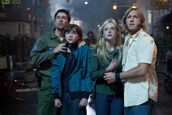 Kyle Chandler, Joel Courtney, Elle Fanning and Ron Eldard in Super 8