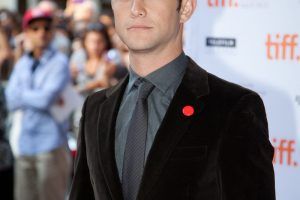 Joseph Gordon-Levitt on the red carpet for 50/50