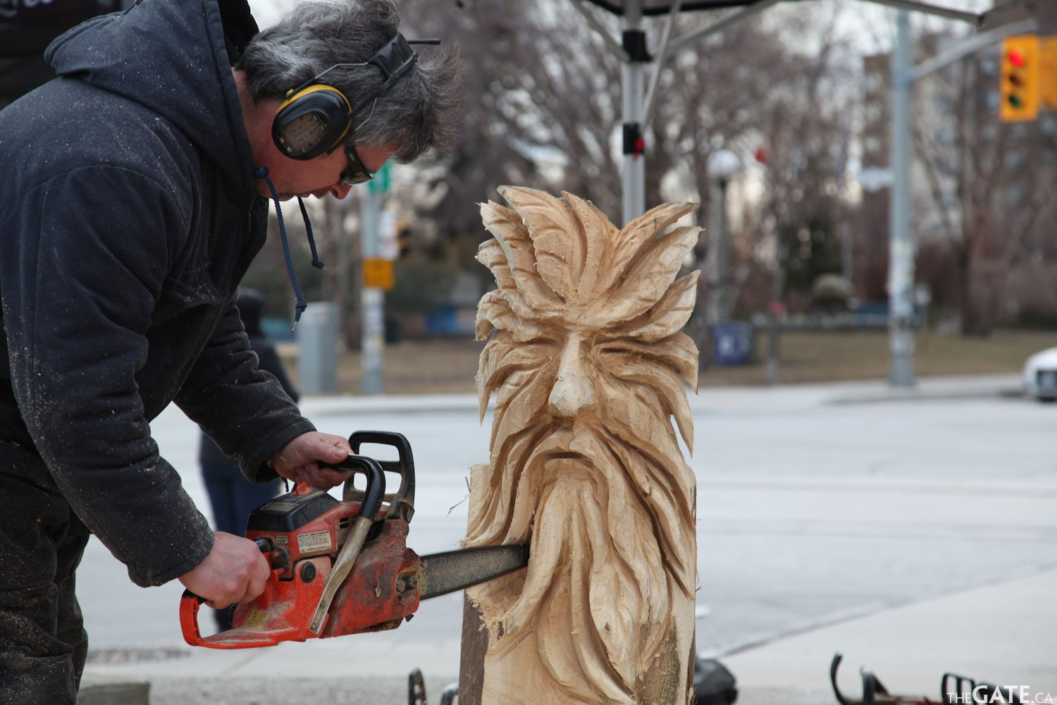 The gate video interview chainsaw carving lessons with