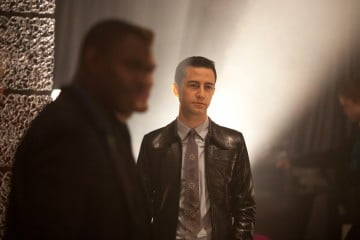 Joseph Gordon-Levitt stars in Looper