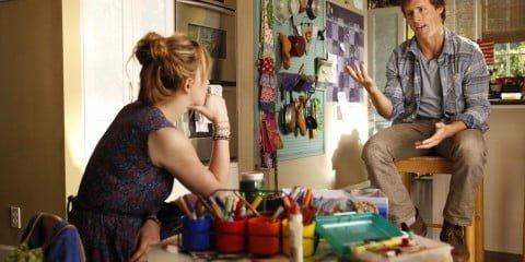 Kate (Dakota Johnson) and Ben (Nat Faxon)