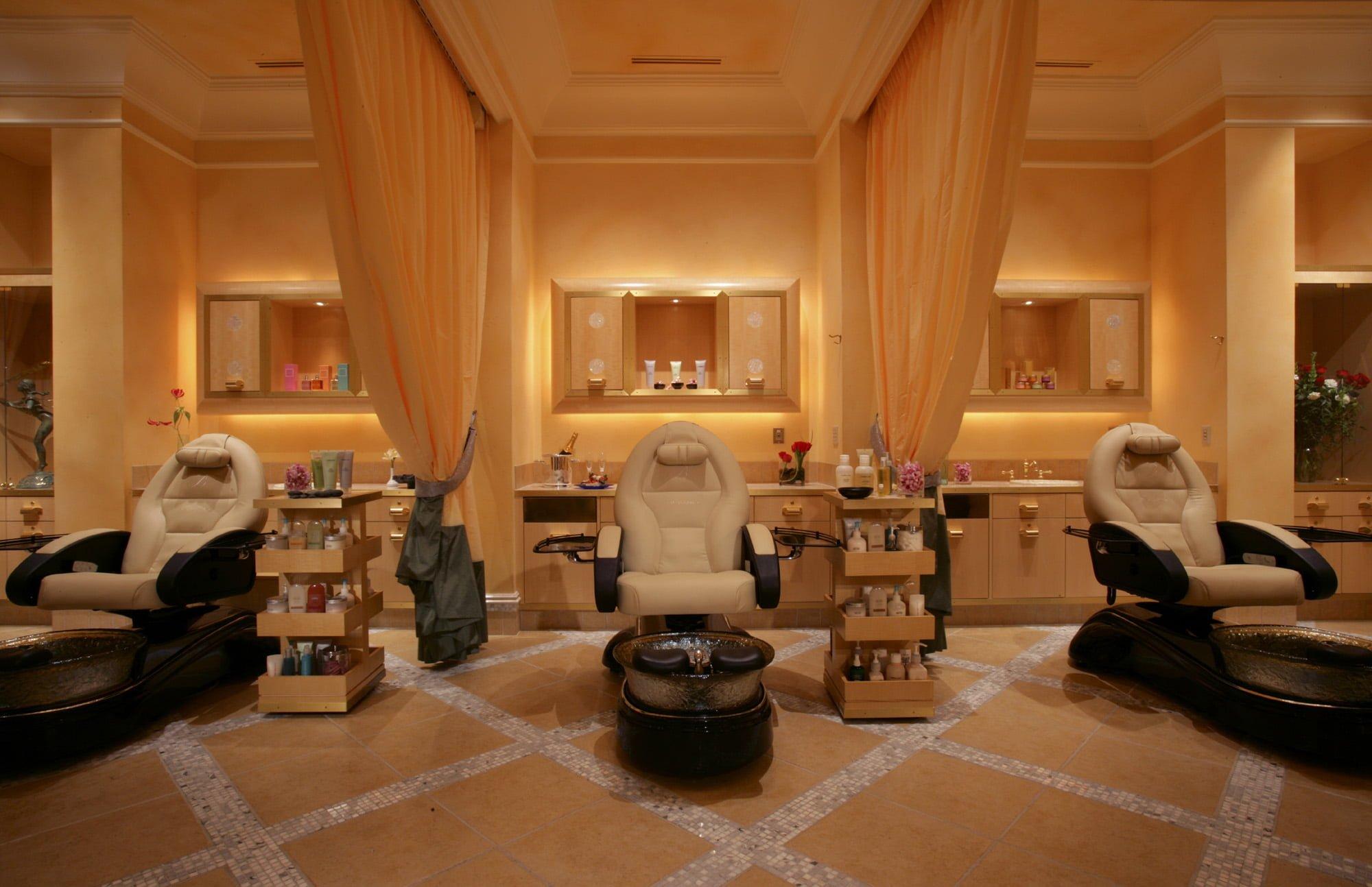 Bellagio's Salon Bellagio