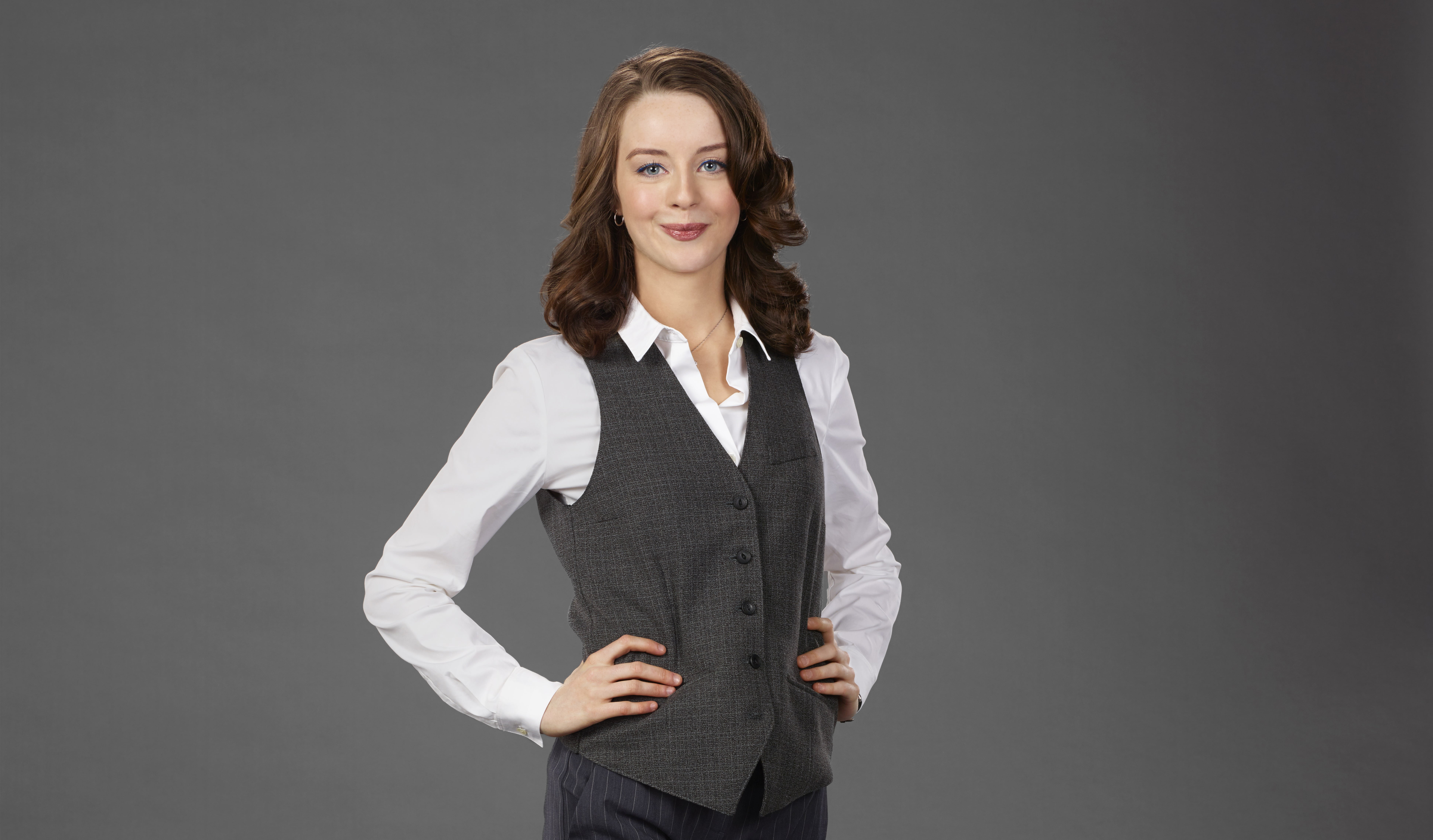 Kacey rohl talks working the engels guest stars and comedy versus