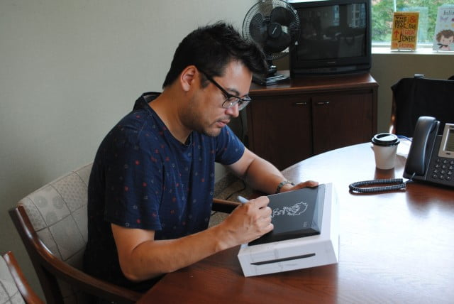 Bryan Lee O'Malley signing the Kobo Arc