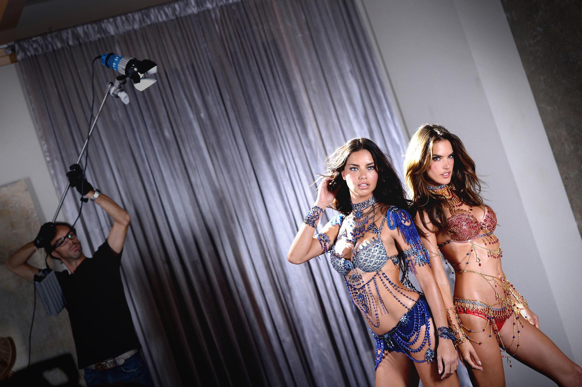 Adriana Lima and Alessandra Ambrosio #2