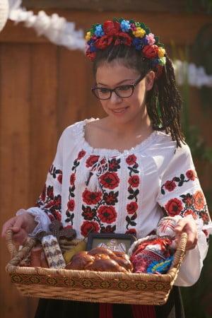 Tatiana Maslany as Cosima
