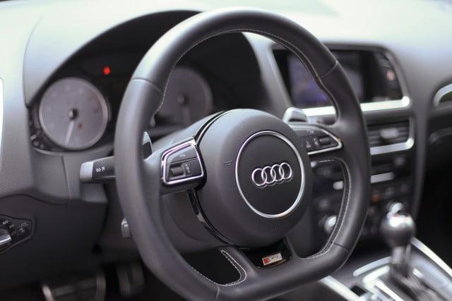 Audi SQ5 - Steering wheel
