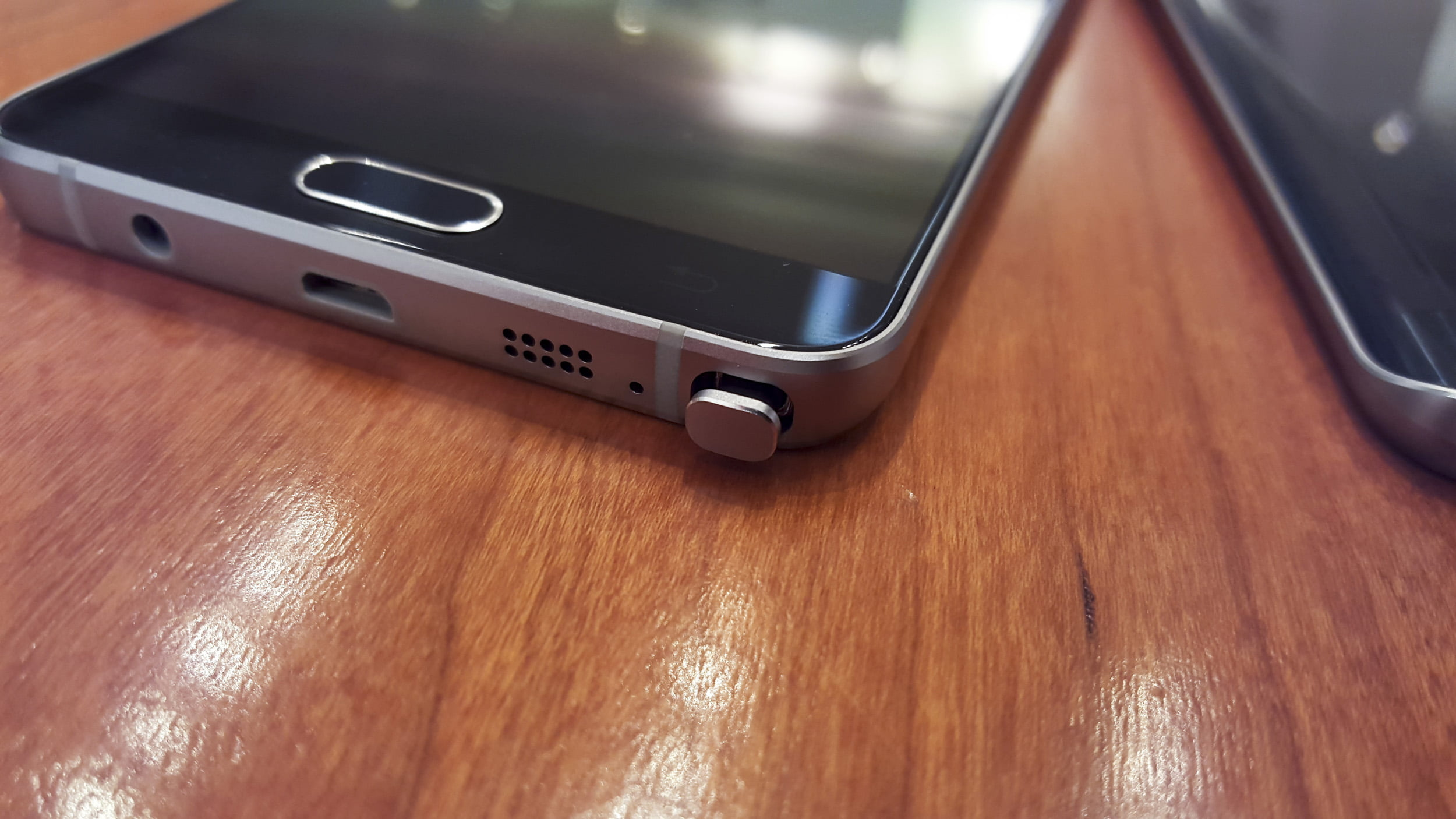Samsung Galaxy Note 5 detail