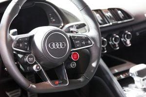 Inside the 2017 Audi R8