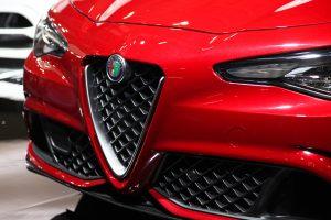 2017 Alfa Romeo Giulia Quadrifoglio front grille