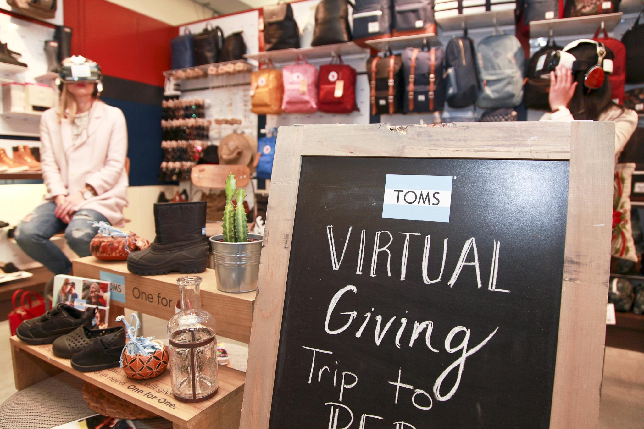 Toms Virtual Reality giving