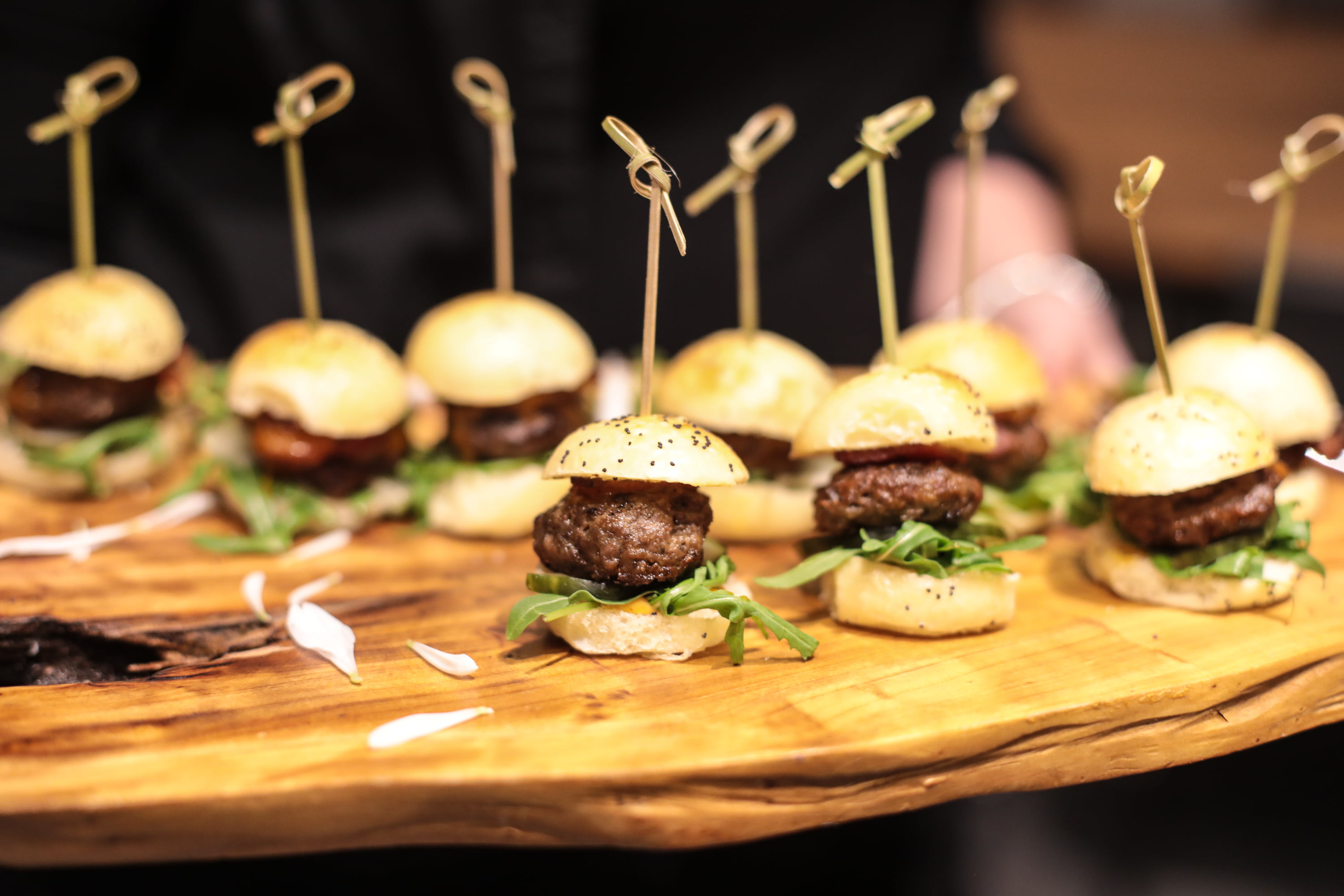 Mini-burgers with Airbnb