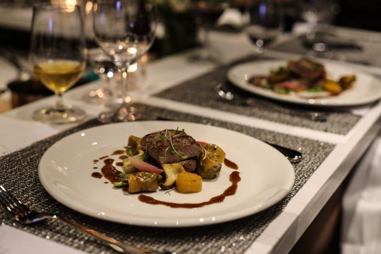 Savoury Restaurant | Westin Harbour Castle
