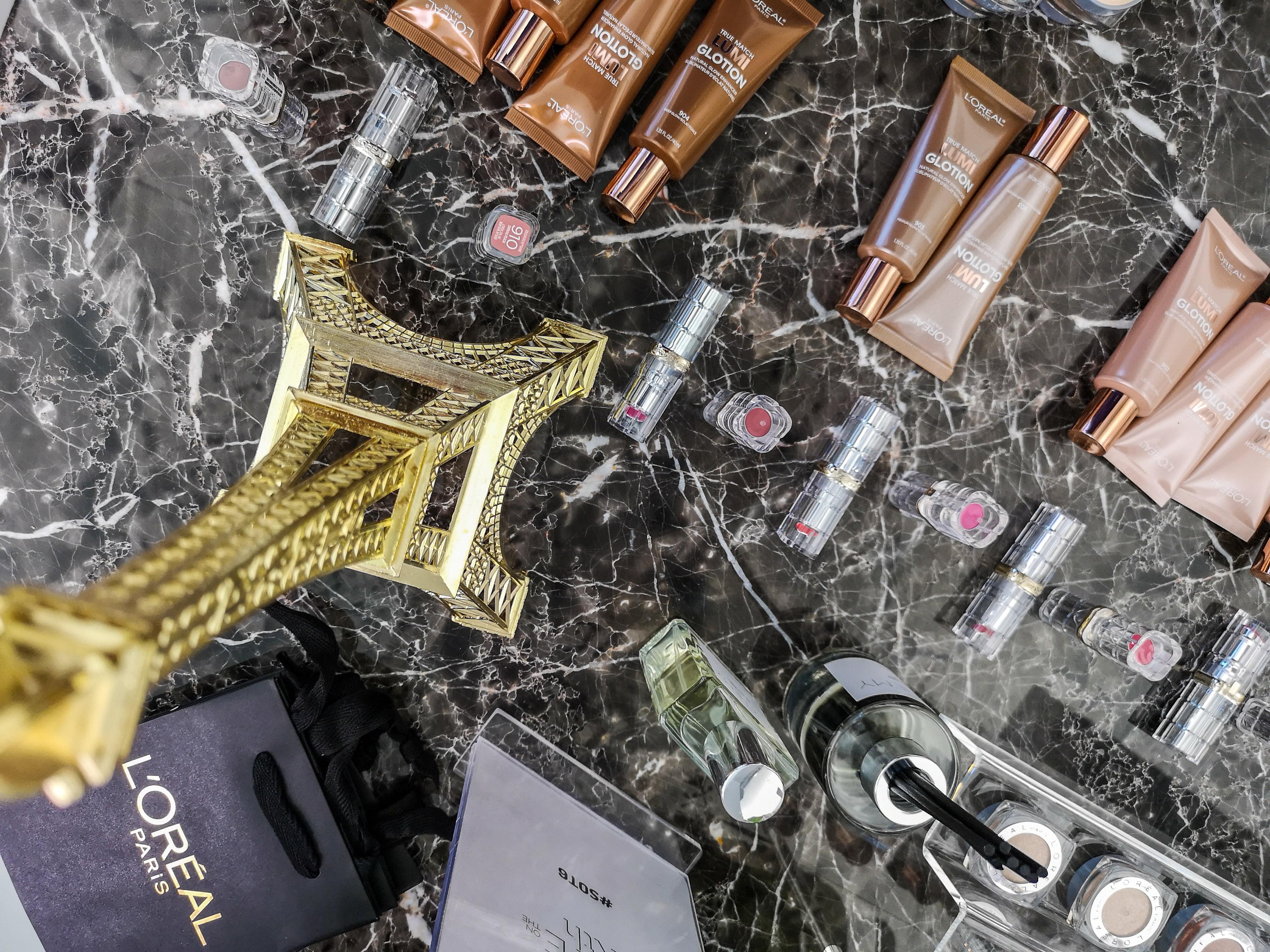 The L'Oréal Paris table