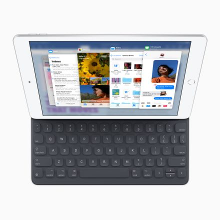 Apple iPad with Smart Keyboard