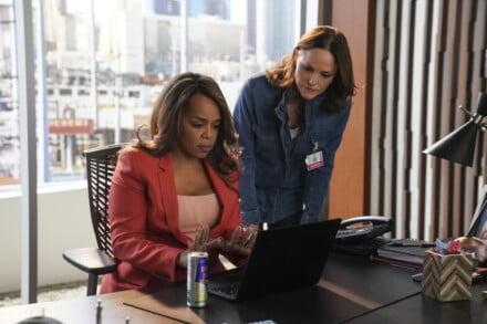 Paula Newsome as Maxine Roby and Jorja Fox as Sara Sidle in CSI: Vegas